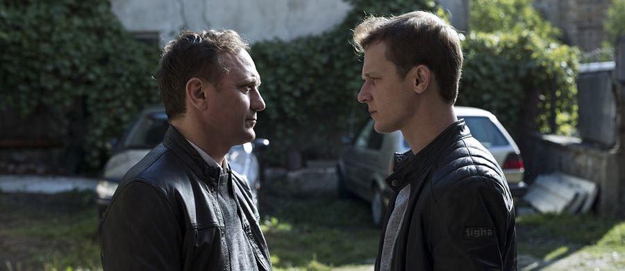 """Przegapiłeś to w kinie? Nic straconego. """"Prosta historia o morderstwie"""" i """"Wilk w owczej skórze"""" już na DVD"""