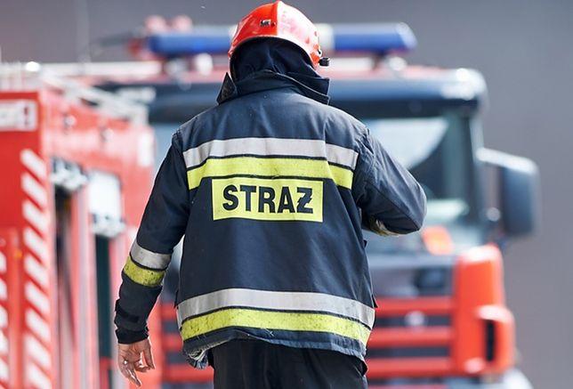 Na miejscu pracują strażacy i policja