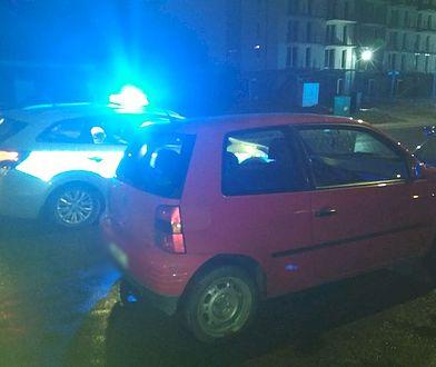 Gdańsk. Pijani kierowcy zatrzymani po pościgu. Samochód uderzył w radiowóz