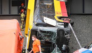 Warszawa. Wypadek na S8 w rejonie Most Grota. 1 osoba śmiertelna, 20 rannych. Nowe Informacje