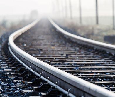 Jasienica: tragedia na torach. Kobieta weszła pod pędzący pociąg