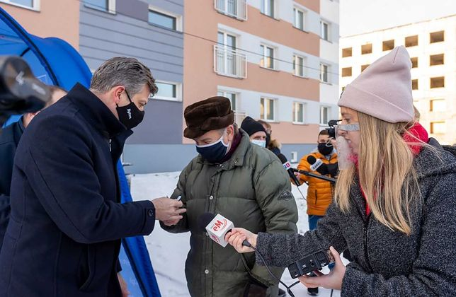 Bytom. Pierwsi mieszkańcy otrzymali klucze do nowych mieszkań w budynku przy ul. Siemianowickiej 105b.