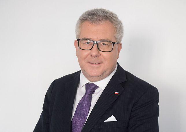 """Ryszard Czarnecki zapytany o czeską polityk. """"Jaka jest? Brunetka"""""""