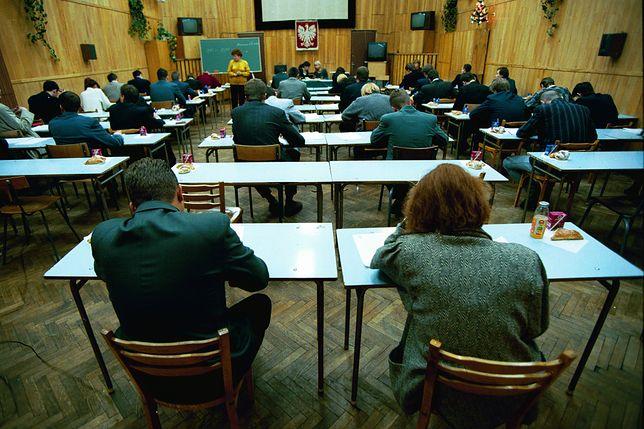 Egzamin gimnazjalny 2019 startuje w środę, 10 kwietnia. Sprawdź, ile potrwa egzamin i czy strajk nauczycieli będzie dla niego przeszkodą