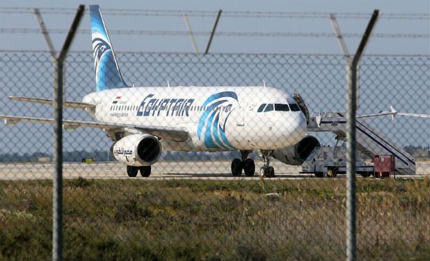 Porwanie egipskiego samolotu Airbus A320. Porywacz zatrzymany, zakładnicy zostali uwolnieni