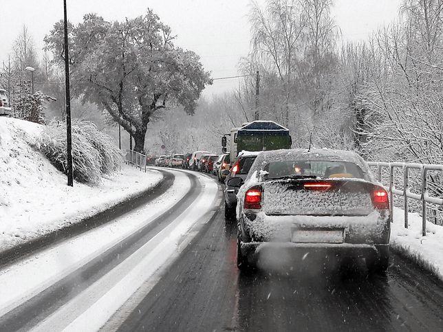 Meteorolodzy zapowiadają jednodniowy atak zimy w całej Polsce.