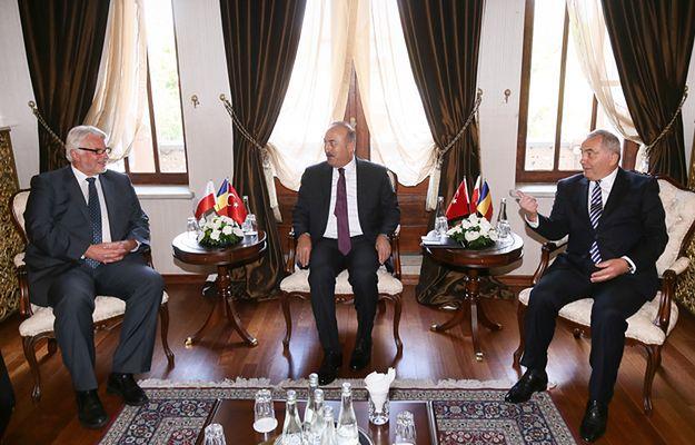 Rozpoczęły się rozmowy szefów MSZ Polski, Turcji i Rumunii w Ankarze