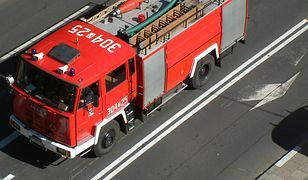 Straż pożarna prowadzi akcję gaśniczą