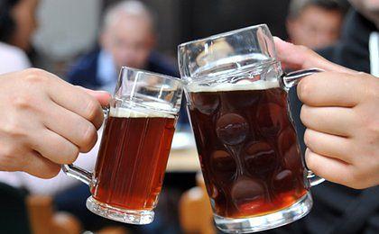 Piwo ulubionym alkoholem Polaków. Wydają na nie co drugą złotówkę