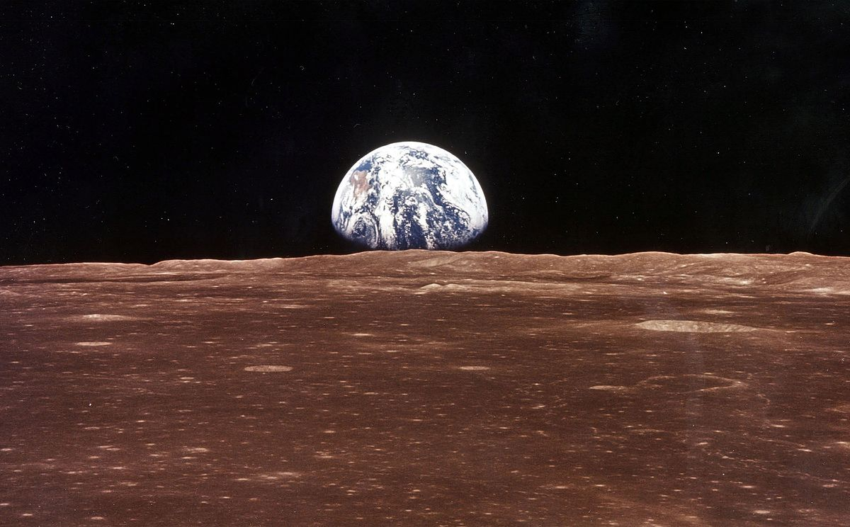 NASA szuka wody na Księżycu. Nowe ustalenia naukowców