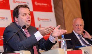 """""""Koronawirus praktycznie zabił branżę lotniczą"""" - mówi były prezes LOT-u, Sebastian Mikosz"""
