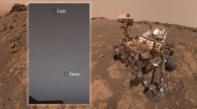Na górze zdjęcia widać Ziemię, a poniżej Wenus.