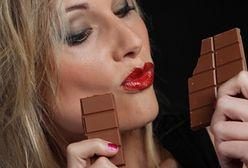 Pijesz za dużo? Uratuje Cię gorzka czekolada