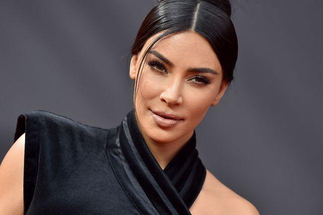 Kim Kardashian robi wyprzedaż swoich ubrań. Ceny zwalają z nóg