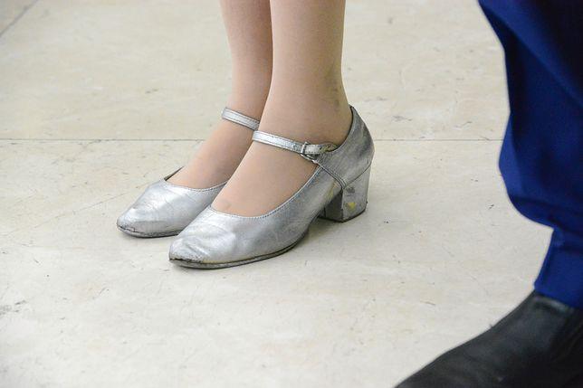 Srebrne buty na wesele