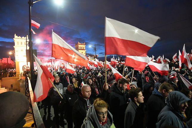 Przygotowania do Święta Niepodległości. Burza wokół marszu na 11 listopada