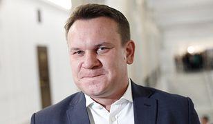 Dominik Tarczyński wprowadził opinię publiczną w błąd