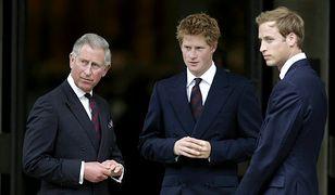 Co książęta William i Harry dostali od babci królowej?