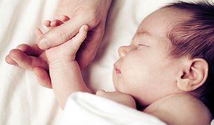Burmistrz złożył rodzicom nowo narodzonego dziecka... kondolencje