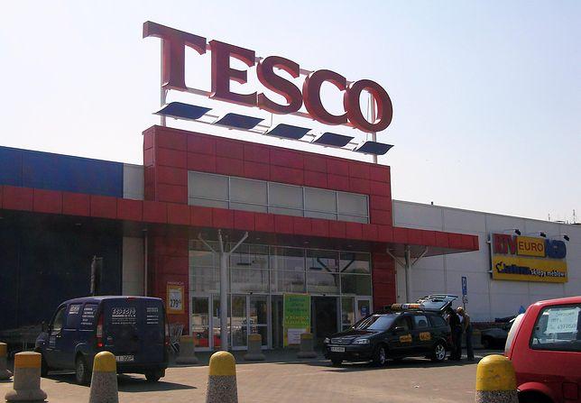 Tesco zapowiada, że w te święta będzie sprzedawać tylko gotowe filety i elementy karpia.