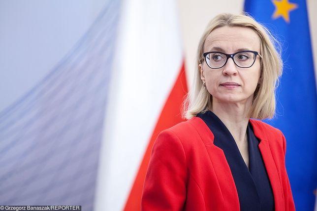 Teresa Czerwińska ma za sobą trudne dni. Jej pozycja w rządzie osłabła, grozi jej też kara za złamanie RODO.