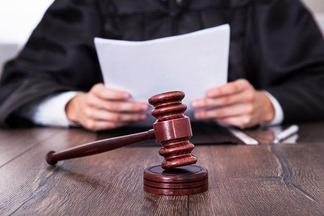 Adwokat został oskarżony o znęcanie się nad żoną. Nie trafi do aresztu