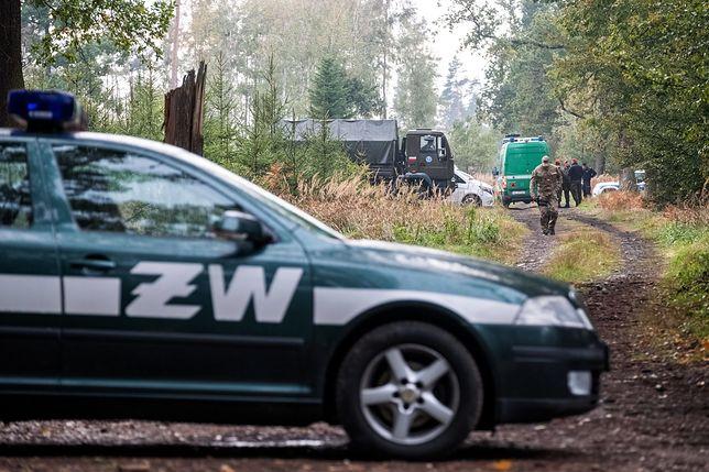 Od dwóch teren, na którym doszło do eksplozji zabezpieczają służby i Żandarmeria Wojskowa