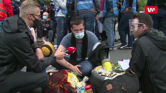 Warszawa. Aktywiści z Extinction Rebellion zablokowali miasto. Policja wynosiła ludzi z ulic