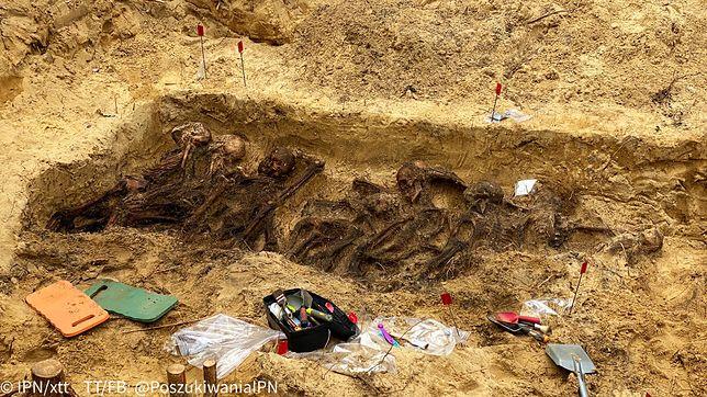 Warszawa. Odnaleziono szczątki 20 osób
