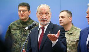 """Macierewicz groził i słowa dotrzymał. MON zawiadamia prokuraturę ws. działań """"komisji Millera"""""""