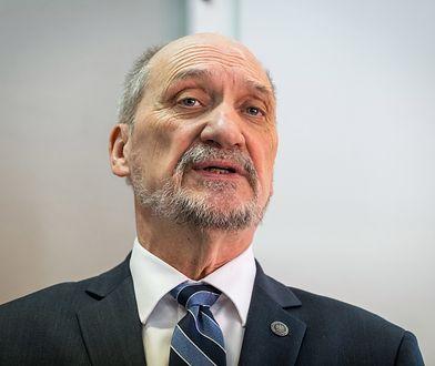 """Macierewicz nie odpuszcza nawet w rocznicę Smoleńska. Kolejne """"rewelacje"""""""