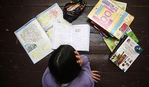 Szkół coraz mniej, a nauczycieli przybywa