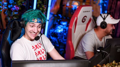 """Jesteśmy na Ninja Night Shift. Zobacz, jak """"król Fortnite'a"""" gra z polskimi graczami [STREAM]"""