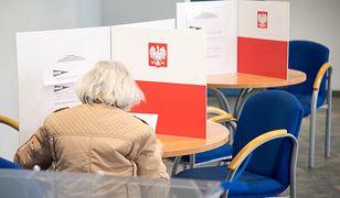 Wybory parlamentarne. PKW przygotowała dwa rodzaje kart do głosowania