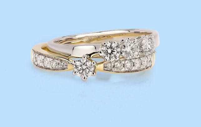 Ile wydać na pierścionek zaręczynowy? Sprawdziliśmy, czego pragną kobiety