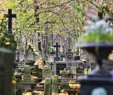Wszystkich Świętych - zamknięte ulice przy cmentarzach!