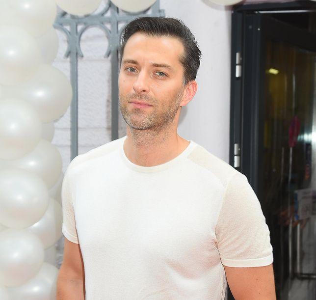 """TYLKO U NAS!  Filip Bobek otrzymał propozycję występu w """"Tańcu z gwiazdami"""". Zobaczymy go na parkiecie?"""