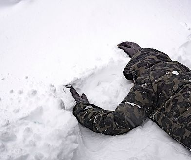 Jedziesz w góry? Zobacz, jak przeżyć lawinę śnieżną