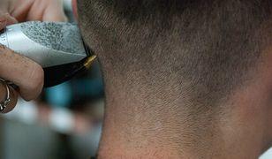 W Polsce nie brakuje fryzjerów i kosmetyczek, które obsługują klientów pomimo zakazów i pandemii