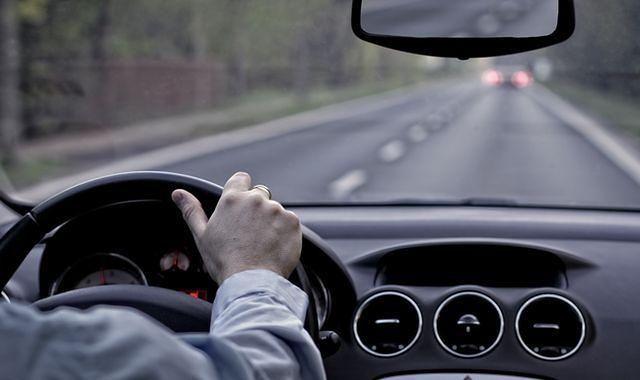 Kierowca firmy przewozowej molestował pasażerkę