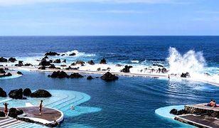 Naturalne baseny wulkaniczne w Porto Moniz wypełniają wody Oceanu Atlantyckiego