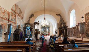 Kościół w Hajdukach Nyskich wybudowano w 1305 r.