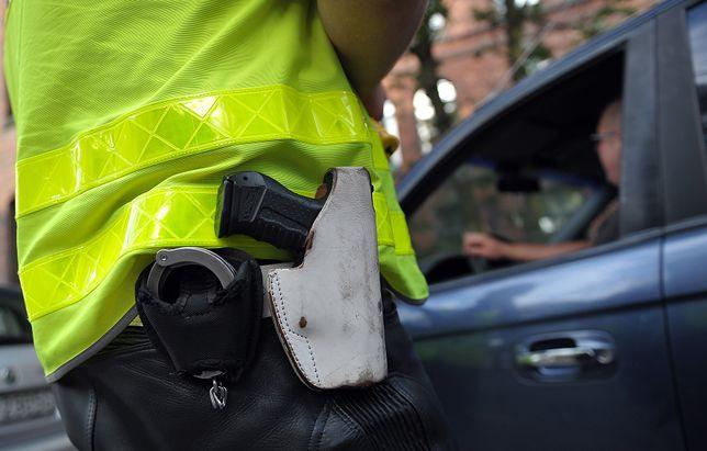 Kara dla policjantów za zgubioną broń. Do tej pory jej nie odnaleziono