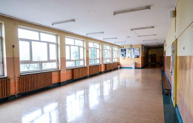 Koronawirus w Polsce. Łęczyca. Ponad 40 osób zamkniętych w szkole.