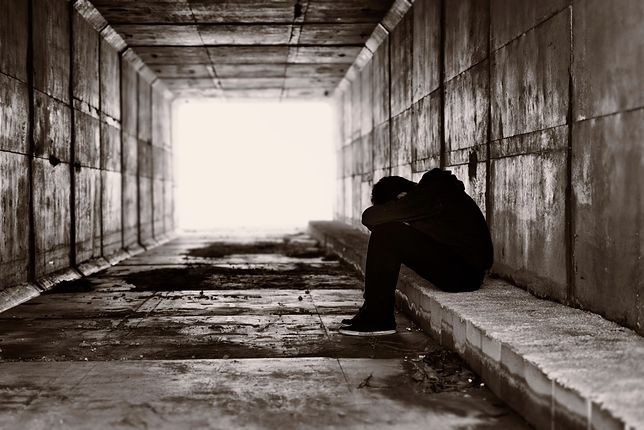 Homoseksualni nastolatkowie często spotykają się odrzuceniem.