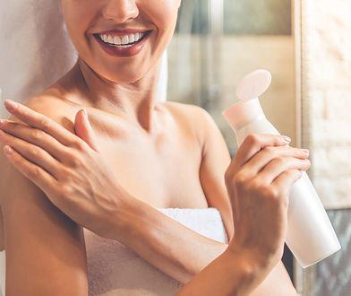 Regeneracja skóry to proces kilkuetapowy, na który składa się złuszczanie, nawilżanie, odżywianie oraz pielęgnacja skóry.