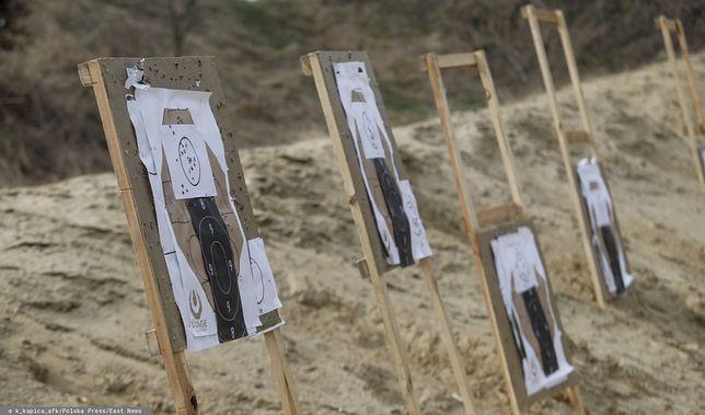 Strzelce Opolskie. 37-letni policjant postrzelił się na ćwiczeniach (zdj. ilustr.)