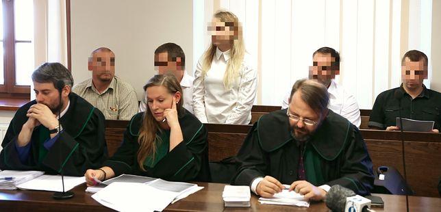 Na ławie oskarżonych zasiadło sześć osób