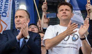 Jacek Żakowski: Czas przymierzać dłuższe portki. Apel do Petru i Schetyny