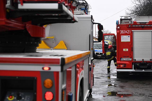 Warszawa. Na miejsce pożaru skierowano trzy zastępy straży pożarnej [zdjęcie ilustracyjne]